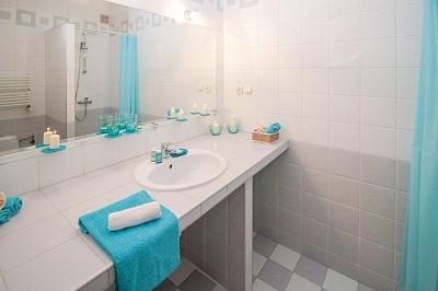 clean bathroom in Oxford